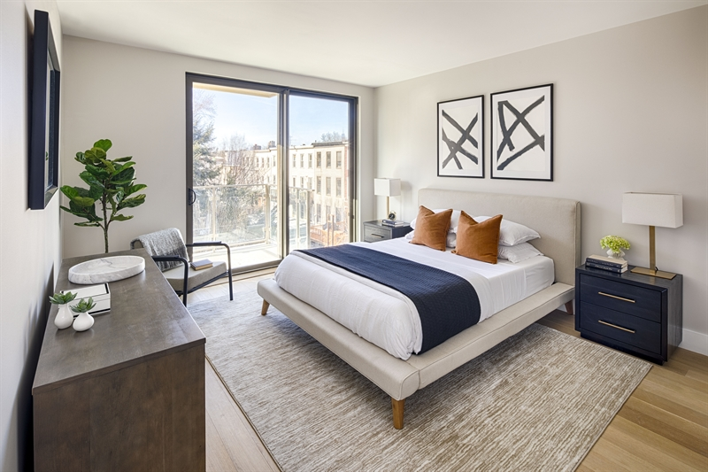Awaken every morning, greeted with a stunning city landscape.  Bedrooms are filled with light and offer private outdoor space to widen your perspective.