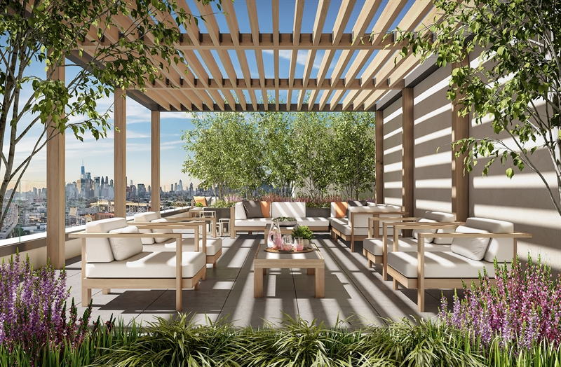 Distinct relaxation and dining areas are screened by groves of birch trees that frame stunning views of Manhattan, the Statue of Liberty and the New York Harbor, inviting endless opportunities to engage with the outdoors.