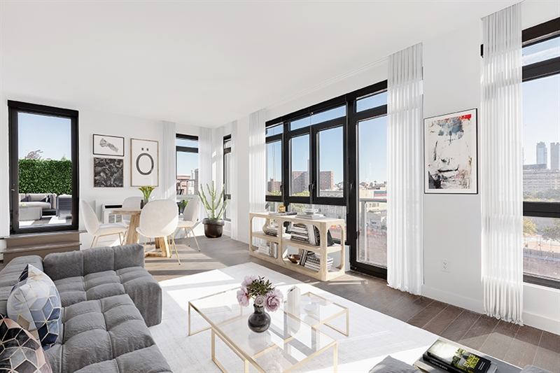 Many of the one-to three bedroom residences afford open views framing the Manhattan skyline, East River, Manhattan Bridge, and Downtown Brooklyn.